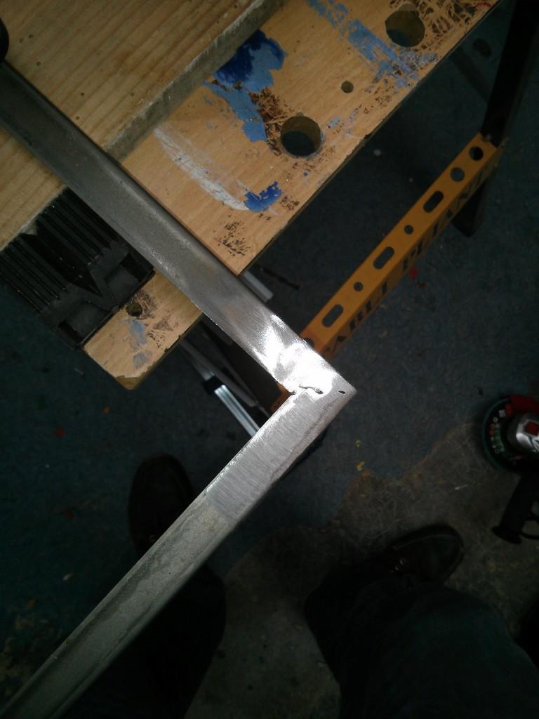 Cornières pour protéger les angles du béton
