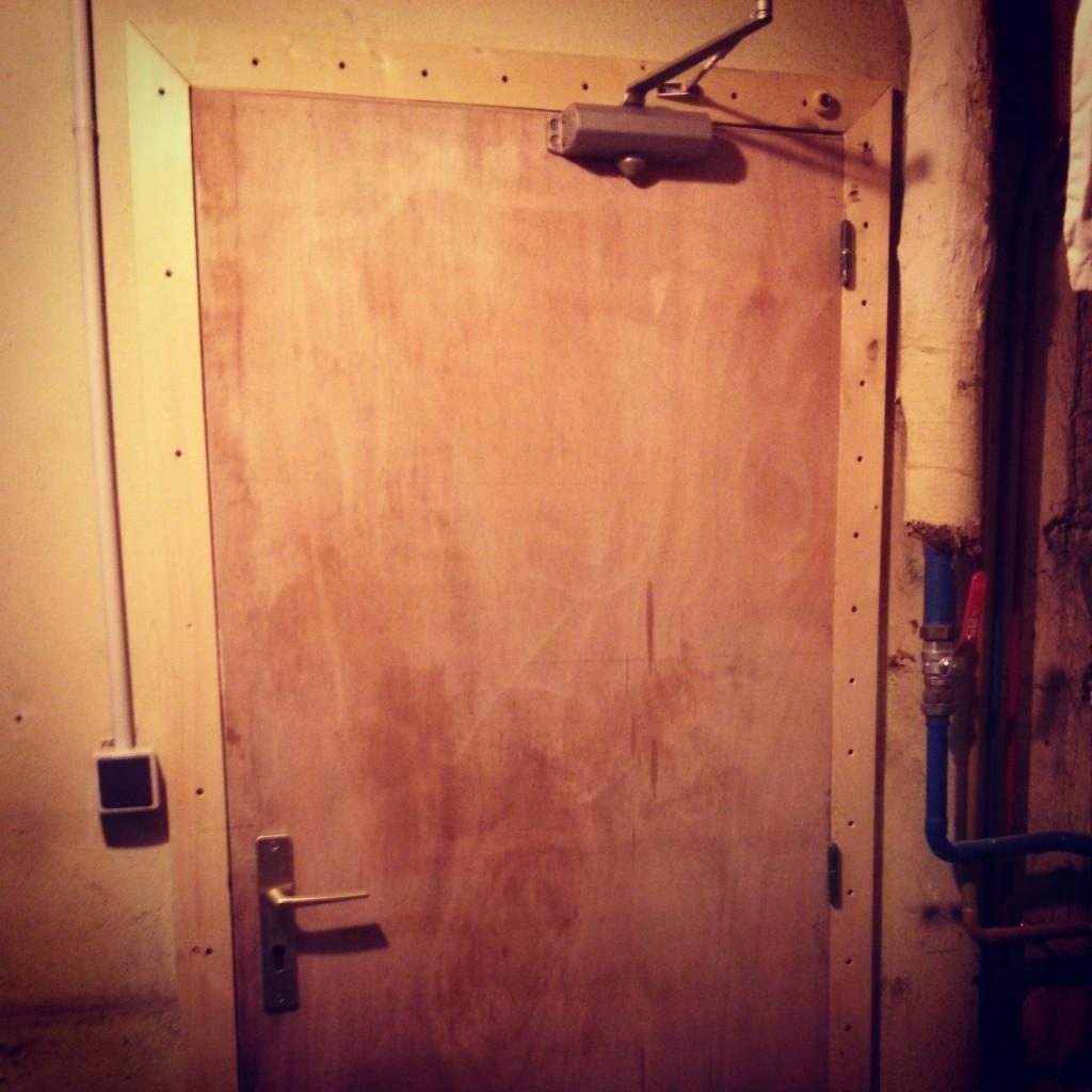 La porte en place